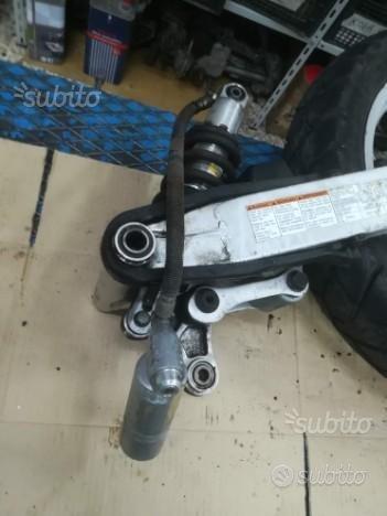 Smembro per ricambi Suzuki XF 650 Freewind