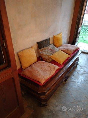 Panca Antica Tavolo Divano Antico Cuscini Antichi