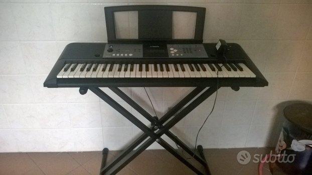 Stand in acciaio per tastiera