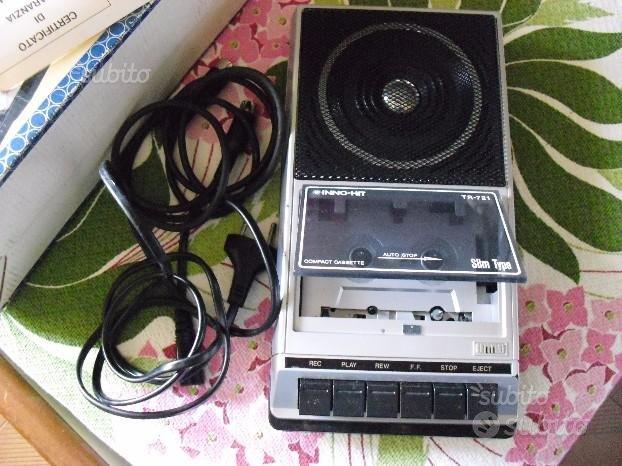 Registratore a cassette portabile anni 80