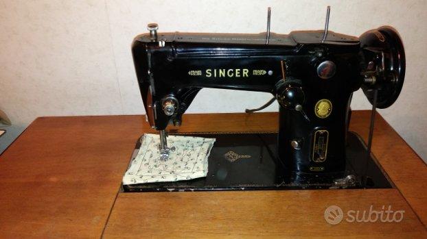 Macchina da cucire vintage Singer 306M