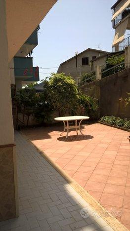 Scalea Trilocale 45mt + 130mt patio esterno