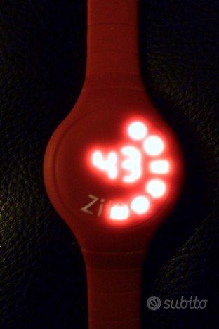 Orologio digitale ZITTO rosso