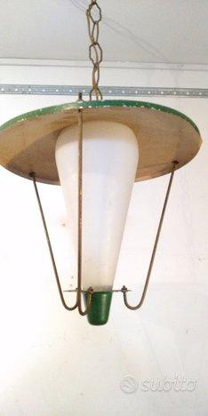 Lampadario Ottone E Vetro Opalino Lanterna una lu