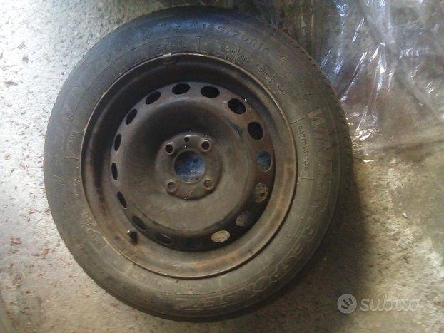 4 Gomme Cerchi acciaio ruote auto 175 65 R 14