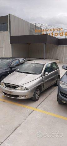 Ricambi usati Lancia Y anno 2003