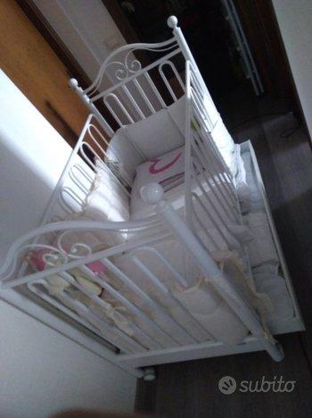 Culla per neonato in ferro della Pali
