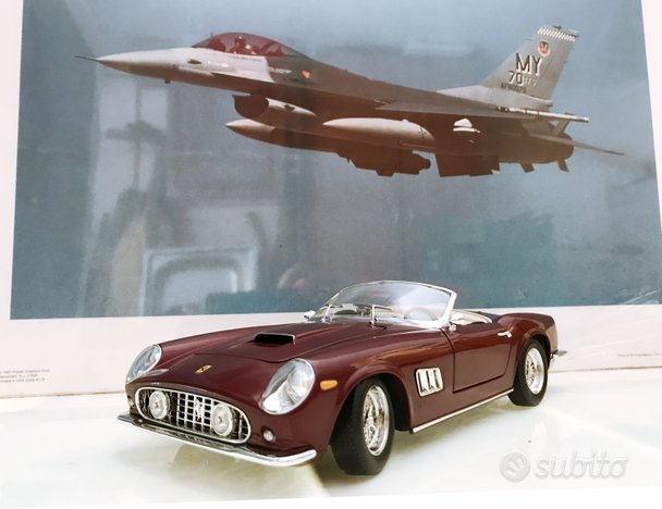 Ferrari 250 California - scala 1:18 Hot Wheels