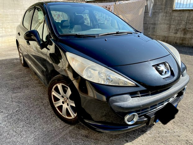 Peugeot 207 - 2007 5p. nera, gomme nuove