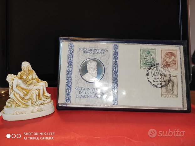 Medaglia e busta con francobolli Michelangelo