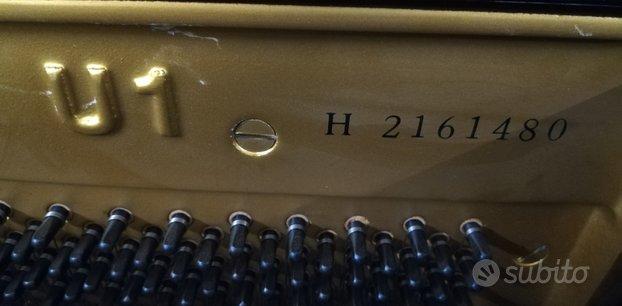 Yamaha U1-H verticale