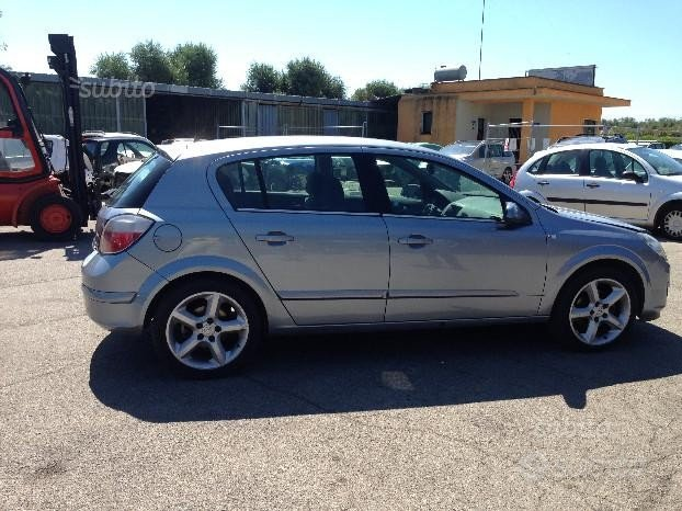 Opel astra 1.7 ricambi