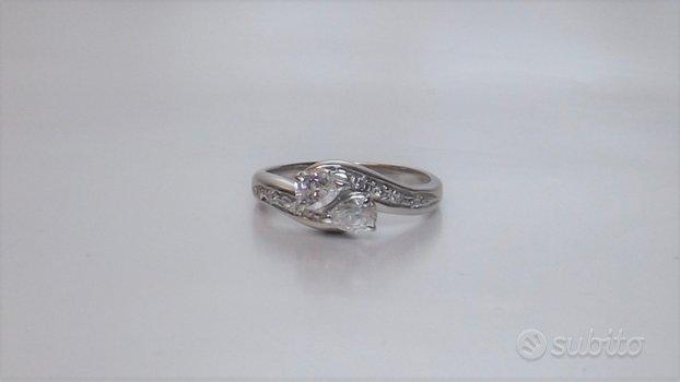 Anello oro 18kt diamanti navette e brillanti