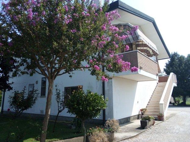 Villetta privata formata da due appartamenti