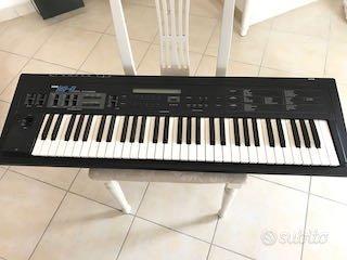 Korg Ds-8 digital synthesizer