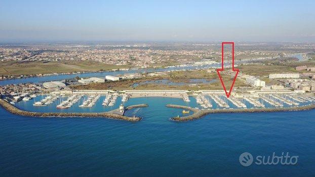 Posto Barca 10 m. Porto turistico di Roma