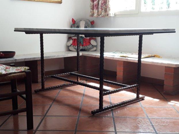 Tavolo rustico in marmo