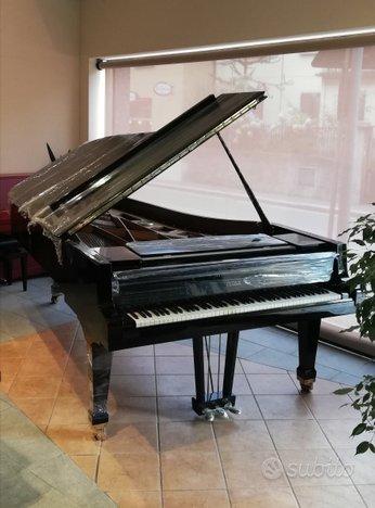 Pianoforte Petrof gran coda 276