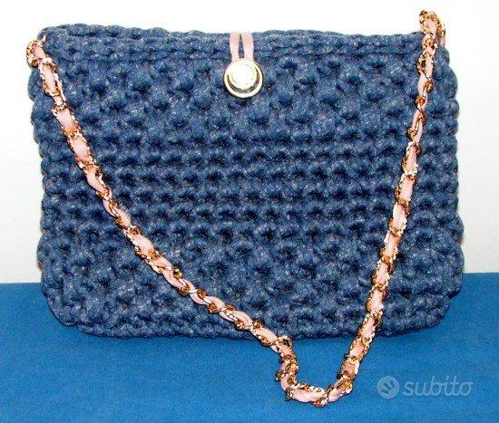 a6271f75d7 Borsa blu sabbiato fatta a mano con fettuccia - Abbigliamento e ...