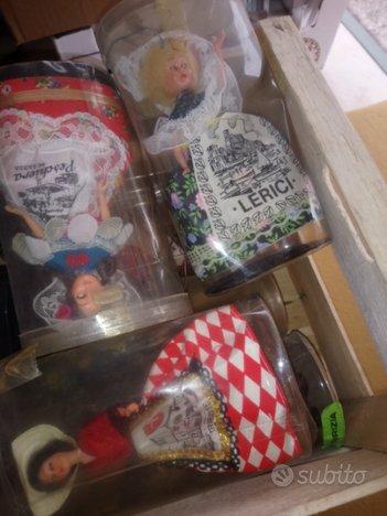 Bamboline con abiti di citta