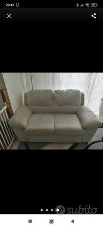 Coppia di divani vera pelle(2)