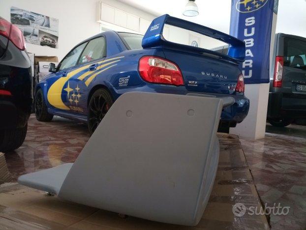 Spoiler sporgente ufficiale subaru WRC 02
