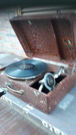 Grammofono portatile antico