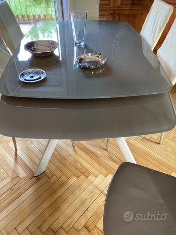 Tavolo da pranzo con sedie - Arredamento e Casalinghi In ...