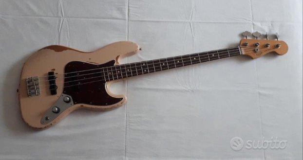 Fender Flea Road Worn jazz bass - col. Shell Pink