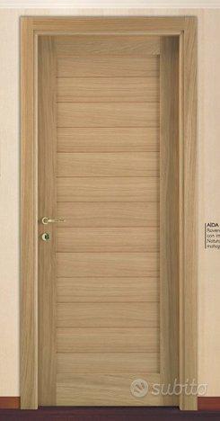 Porta interna in legno listellare impiallacciata