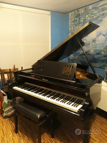 Pianoforte Petrof Mod. IV a mezza coda