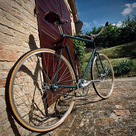 Bici classica vintage a contropedale
