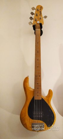Basso Sterling Ray35 by MusicMan