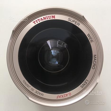 Titanium Super Wide Macro 0.42x aggiuntivo ottico