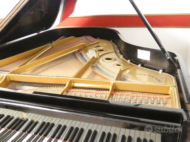 Pianoforte Steinway 188 in corso di revisione