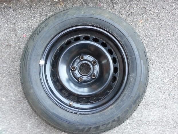 Cerchio 15 pneumatico 205/60-15 nuovi