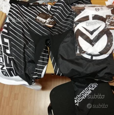 Completo motocross: maglia e pantalone