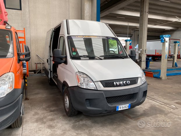 Iveco Daily 35S13 furgone