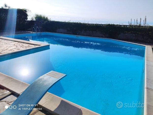 Villa con piscina per mesi estivi
