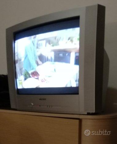 TV con Decoder e Mini Hi