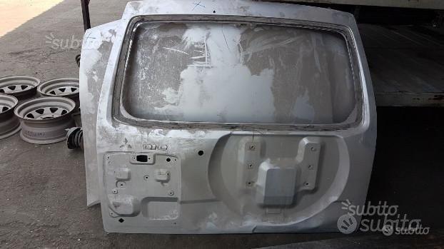 Portellone e cofano Mitsubishi Pajero - Anno 2004