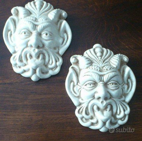 Coppia maschere in cermamica toscana nuove - Arredamento e ...