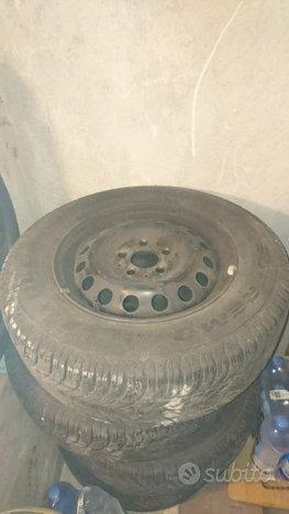 Cerchi ferro R15 gomme invernali Mercedes-Benz