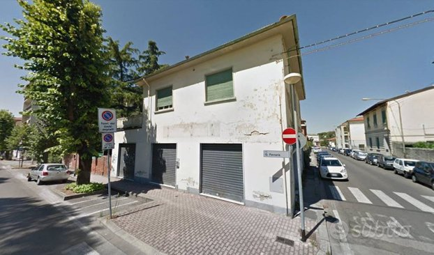 Stabile a Sesto Fiorentino, 10 locali