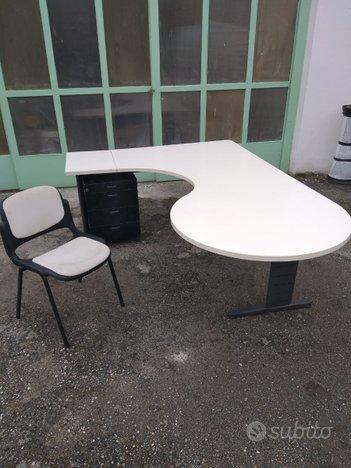 Scrivania ufficio tavolo + cassettiera + sedia