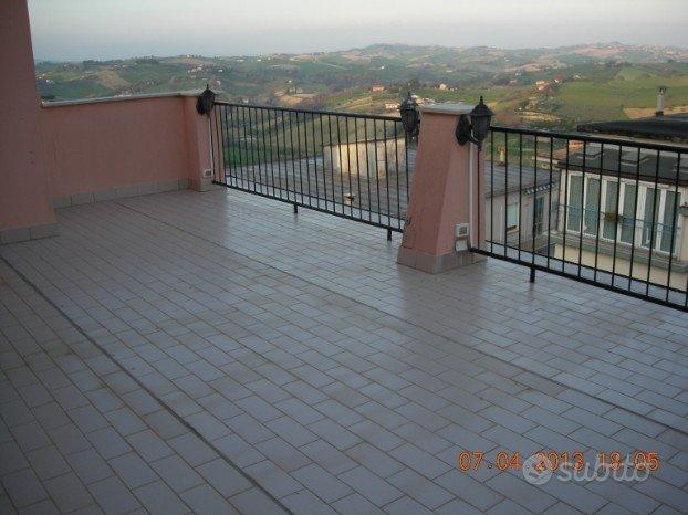 attico con 2 camere e mq.35 di terrazzo panoramico