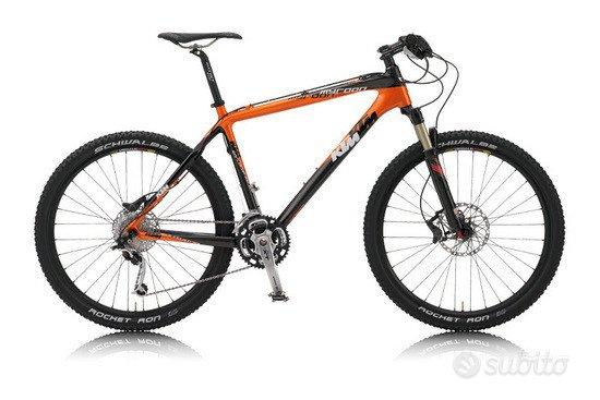 Bicicletta MTB KTM Carbonio front