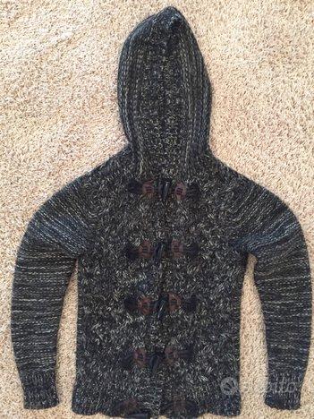 Maglione con cappuccio