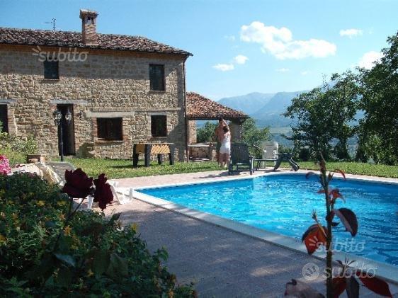 Villa La Pieve- piscina, portico, giardino, parco