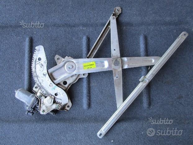 Suzuki Alto 2010 Motorino alzacristalli Sx - s059